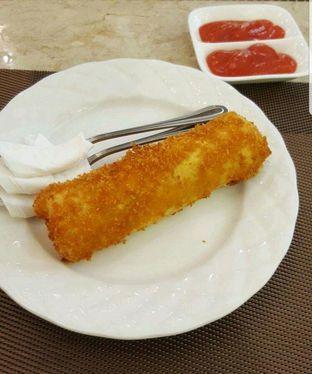 Foto 1 - Makanan di Revel Cafe oleh heiyika