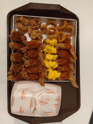 Foto 1 - Makanan di Swiwings oleh Julia Intan Putri