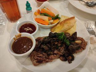 Foto - Makanan di B'Steak Grill & Pancake oleh Rigi Timid