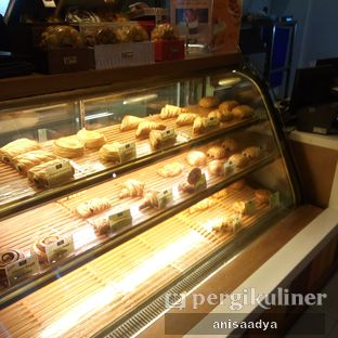 Foto 6 - Interior di Daily Bread Bakery Cafe oleh Anisa Adya