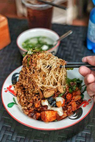 Foto review Sedjuk Bakmi & Kopi by Tulodong 18 oleh Merlin makan 1