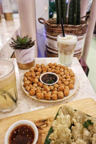 Foto 1 - Makanan(Pop tofu) di Wake Cup Coffee oleh Stellachubby