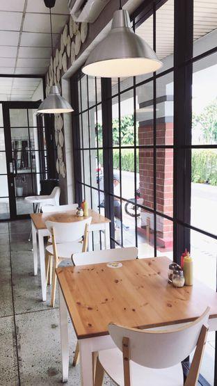 Foto 6 - Interior di Pizza Place oleh Riris Hilda