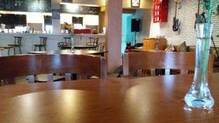 Foto 1 - Interior di AGBELIN Bistro & Cafe oleh Rahadianto Putra
