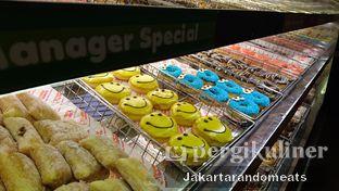 Foto 5 - Interior di Dunkin' Donuts oleh Jakartarandomeats