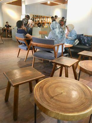 Foto 11 - Interior di Simetri Coffee Roasters oleh Prido ZH