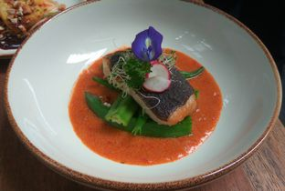 Foto 3 - Makanan(Ikan Cod Saus Curry) di Blue Jasmine oleh Renodaneswara @caesarinodswr
