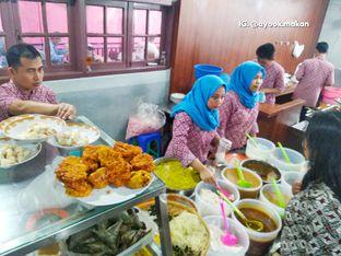 Foto 2 - Makanan(Spot jajanan yang tidak kalah 'menantang'. 😃 #ayookmakan) di RM Bopet Mini oleh AyookMakan | IG: @ayook.makan