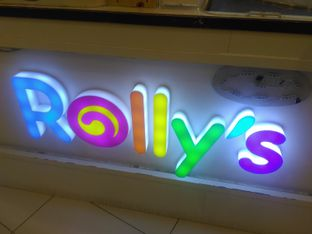Foto 1 - Eksterior di Rolly's Thai Ice Cream oleh Renodaneswara @caesarinodswr