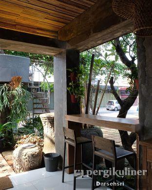 Foto 6 - Interior di Jiwan Coffee & Things oleh Darsehsri Handayani