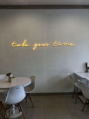 Foto 2 - Interior di Kamaie Coffee & Eatery oleh kdsct