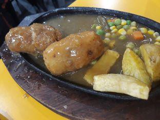 Foto 6 - Makanan di Waroeng Steak & Shake oleh Maissy  (@cici.adek.kuliner)