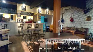 Foto 6 - Interior di AGBELIN Bistro & Cafe oleh AndaraNila