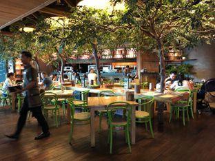 Foto 3 - Interior di Social House oleh om doyanjajan