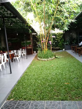 Foto 5 - Eksterior di Dimitree Coffee & Eatery oleh Rachmat Kartono