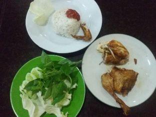 Foto review Ayam Goreng Berkah oleh Nintia Isath Fidiarani 2