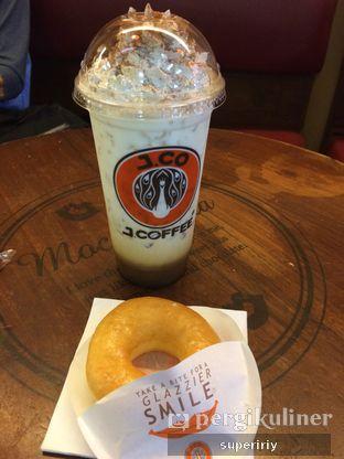 Foto - Makanan(iced tiramisu latte) di J.CO Donuts & Coffee oleh @supeririy