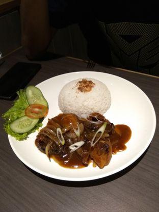Foto 3 - Makanan di Uncle Tjhin Bistro oleh iqiu Rifqi