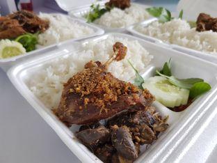 Foto 3 - Makanan di Nasi Bebek Sinjay oleh Amrinayu