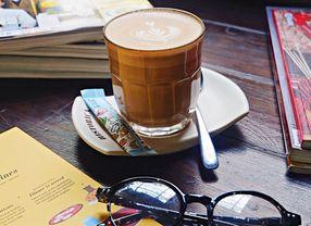 12 Cafe di Gubeng Surabaya yang Paling Enak