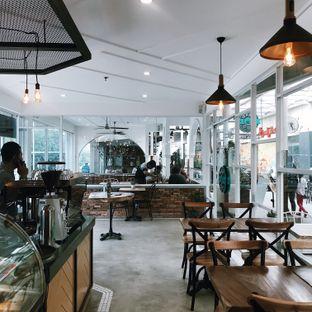 Foto 8 - Interior di Wake Cup Coffee oleh Della Ayu