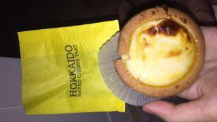 Foto review Hokkaido Baked Cheese Tart oleh Demy Maryesna 1