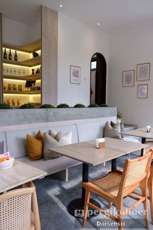 Foto 5 - Interior di Les Miettes oleh Darsehsri Handayani