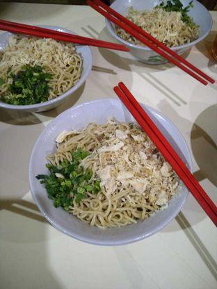 Foto 1 - Makanan di Mie Lezat Khas Bandung (Gang Luna) oleh Erick Doank