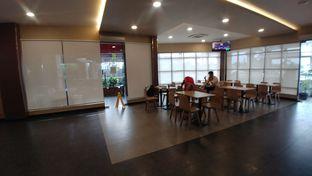 Foto 2 - Interior di KFC oleh om doyanjajan