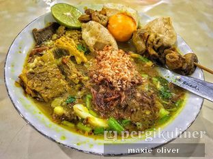 Foto 2 - Makanan(Soto Madura ) di Soto Madura Bpk H. Ngatidjo oleh Drummer Kuliner