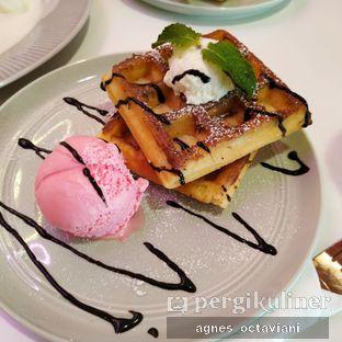 Foto - Makanan(Waffle Strawberry) di Sugar Bloom oleh Agnes Octaviani