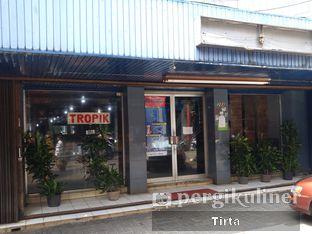 Foto review TROPIK oleh Tirta Lie 4