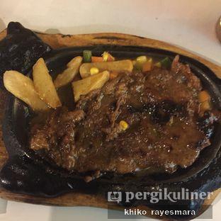 Foto 1 - Makanan(Sirloin Import) di Waroeng Steak & Shake oleh Khiko Rayesmara