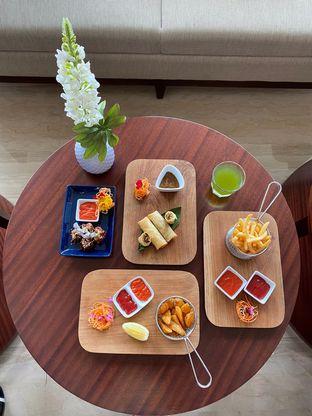 Foto 1 - Makanan di Lobby Lounge - Swiss Belhotel Serpong oleh Duolaparr