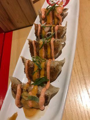 Foto 3 - Makanan(Gyoza Mentaiko Sauce) di Tokyo Belly oleh snooshi