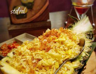 Foto 1 - Makanan(Khao Ob Supparod) di Tamnak Thai oleh Stanzazone