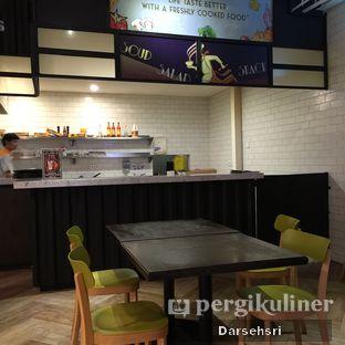 Foto 5 - Interior di Food Theater oleh Darsehsri Handayani