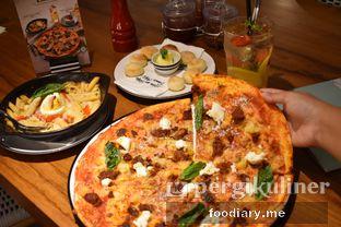 Foto review Pizza Marzano oleh @foodiaryme | Khey & Farhan 1