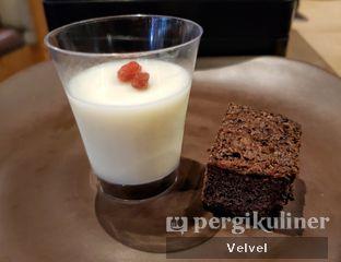 Foto 10 - Makanan(Almond Pudding & Chocolate Brownies) di Shaburi Shabu Shabu oleh Velvel