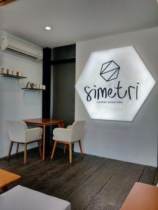 Foto 1 - Interior di Simetri Coffee Roasters oleh Ika Nurhayati
