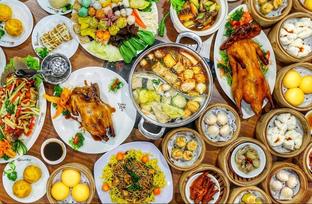 Foto 1 - Makanan di Rainbow Kitchen oleh Yummyfoodsid