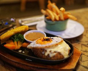 Foto 1 - Makanan di Hummingbird Eatery oleh instagram : kohkuliner