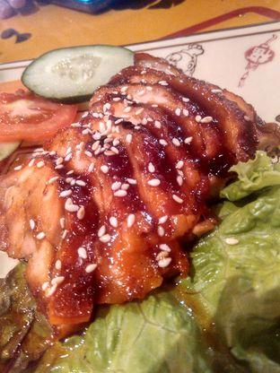 Foto 4 - Makanan(Grilled chicken char siu (IDR 60k) ) di Fook Yew oleh Renodaneswara @caesarinodswr