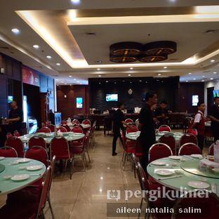 Foto 8 - Interior di Angke Restaurant oleh @NonikJajan