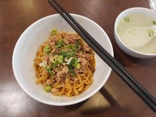 Foto 1 - Makanan di Mie Zhou oleh Yuli    IG: @franzeskayuli