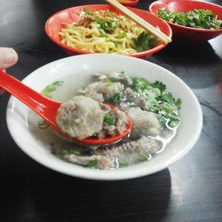 Foto 1 - Makanan(bakso campur ( daging sapi + bakso urat)) di Bakso Medan 99 oleh Yuliane Ane