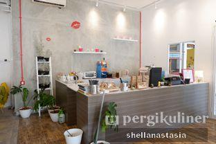 Foto 1 - Interior di Toko Kopi Roompi oleh Shella Anastasia