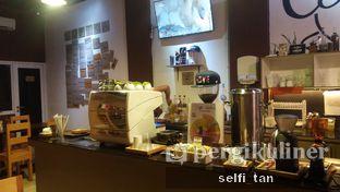 Foto 6 - Interior di Logika Coffee oleh Selfi Tan