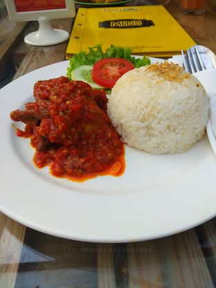 Foto review Day & Nite Eatery and Grocery oleh Jey  1