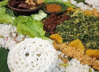 Tak Hanya Ngeliwet, Ini Tradisi Makan Bareng yang Ada di Indonesia